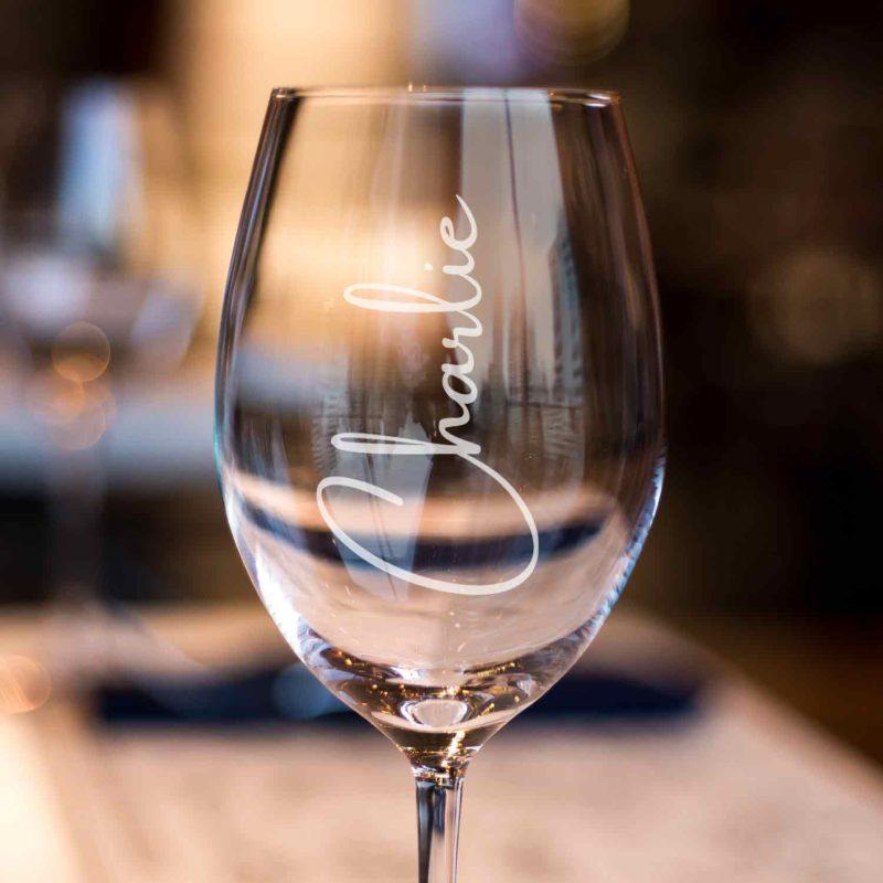 name engraved wine glasses